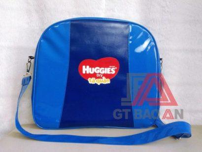 Túi xách quà tặng Huggies